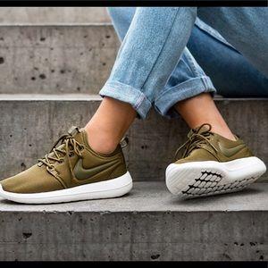 Nike Olive Roshe